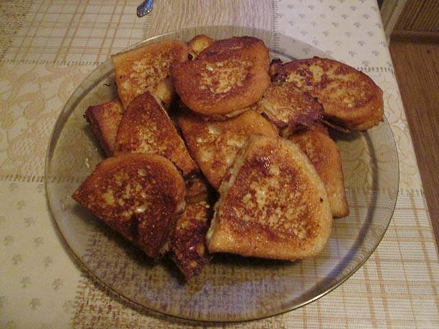 Гренки из белого хлеба с яйцом и молоком