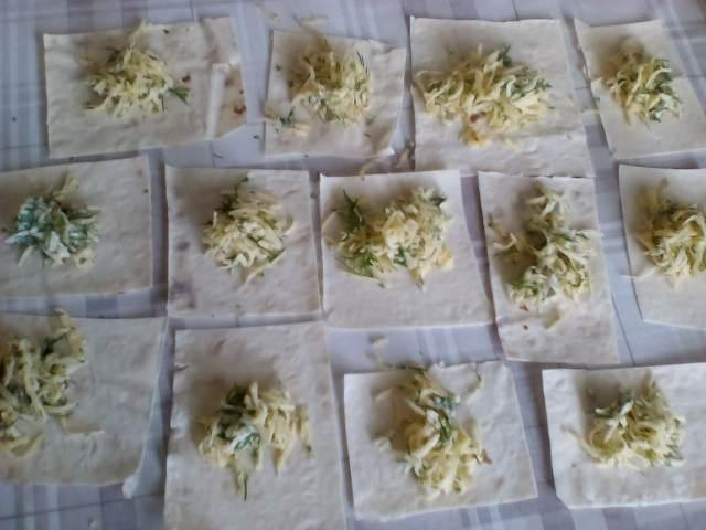 Готовим конвертики с сыром