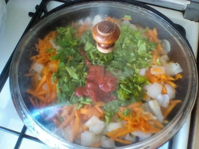 Тушим овощи с томатной пастой