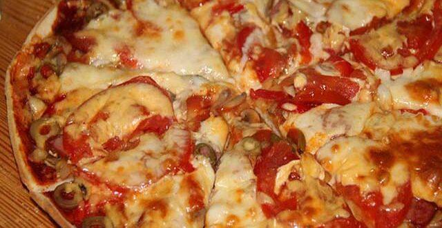 Простая пицца в духовке