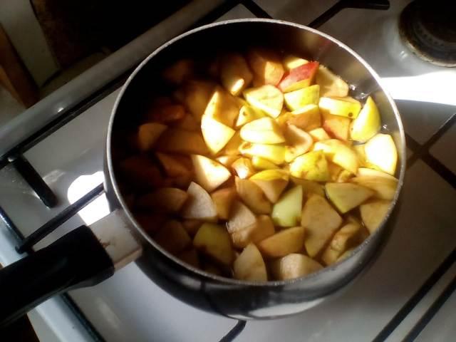 Варим яблоки в сиропе