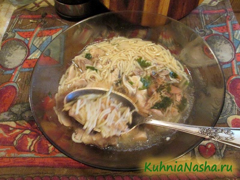 Суп с курицей вермишелью и грибами